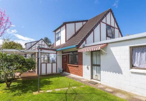 Papatoetoe, Located in the heart of Papatoetoe., Property ID: 797729 | Barfoot & Thompson