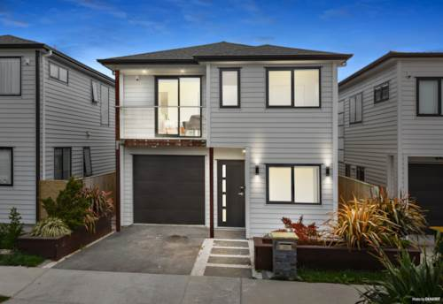 Hobsonville, Stunning Near New Home! Move In & Enjoy!, Property ID: 797327 | Barfoot & Thompson
