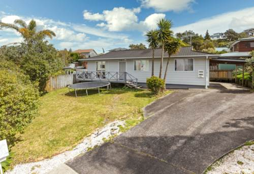 Browns Bay, Sweet Home in Rangitoto College Zone, Property ID: 797657   Barfoot & Thompson
