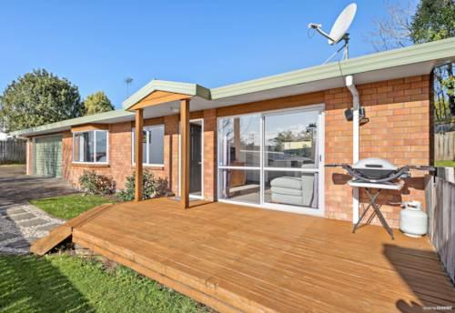 Te Atatu South, Brick & Smile - Slick In Style, Property ID: 797914 | Barfoot & Thompson