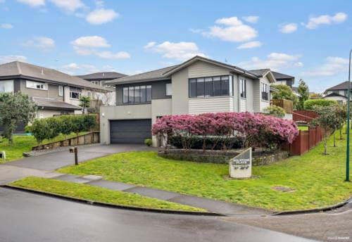 Flat Bush, An Ideal Home For Your Family, Property ID: 797987 | Barfoot & Thompson