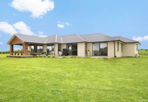 Kerikeri, Stunning Family Home with the rural WOW factor, Property ID: 797888 | Barfoot & Thompson