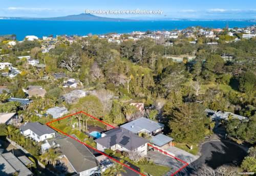 Campbells Bay, Quintessential Kiwi Dream - 938m2 (Subdivision Potential), Property ID: 798010   Barfoot & Thompson