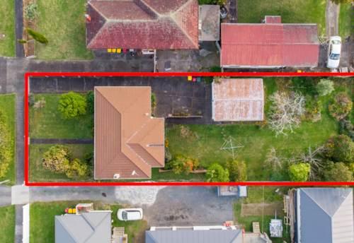 Papatoetoe, Developers Dreams -834m2, Suburban Zone, Property ID: 797713 | Barfoot & Thompson