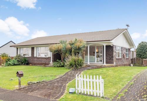 Waiuku, Vendors have purchased so this MUST be SOLD!, Property ID: 797907 | Barfoot & Thompson