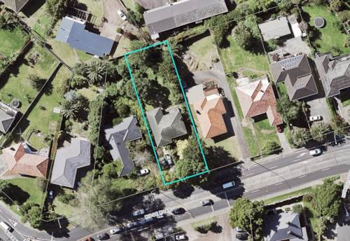 Howick, Large section - fantastic potential in the heart of Howick, Property ID: 797331 | Barfoot & Thompson