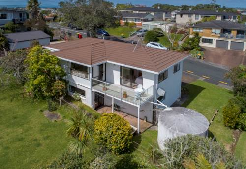 Stanmore Bay, ELEVATED SUNNY SEA VIEWS, Property ID: 798302 | Barfoot & Thompson