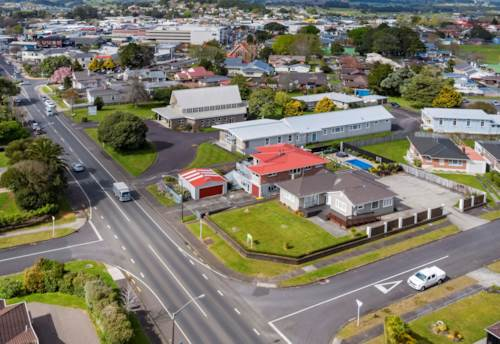 Pukekohe, CORNER SITE IDEAL FOR HEALTH CENTRE, Property ID: 84601 | Barfoot & Thompson