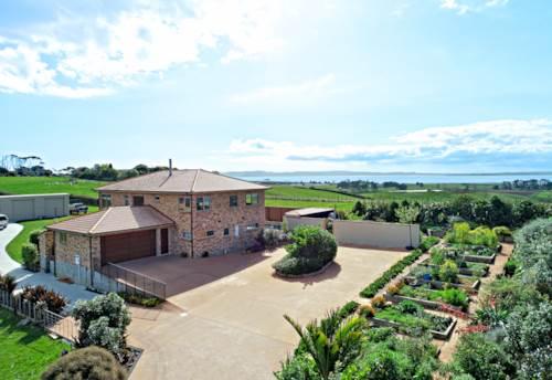 Karaka, Tuscany Style with Inspiring Views, Property ID: 797408 | Barfoot & Thompson