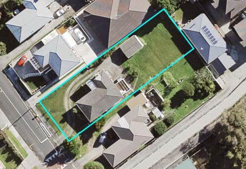 Mt Roskill, Do up or develop!  Vendor on the move!, Property ID: 798453 | Barfoot & Thompson