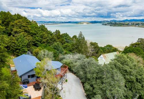Tamaterau, Private, peaceful and perfectly positioned, Property ID: 798537 | Barfoot & Thompson