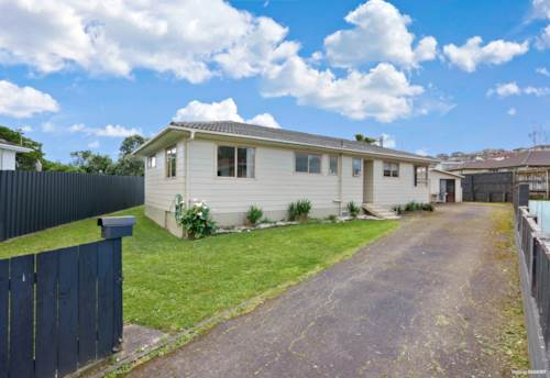 Papakura, AUCTION THIS TUESDAY - VENDORS WANT IT GONE!, Property ID: 798966 | Barfoot & Thompson