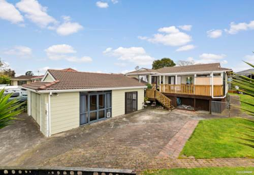 Weymouth, Reserve Side Family Home With Development Potential, Property ID: 798426 | Barfoot & Thompson