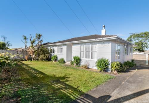 Papakura, Vendors Motivated to Sell!, Property ID: 799233 | Barfoot & Thompson