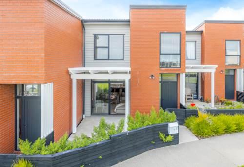 Papakura, Solid Brick Family Home on Fermi Lane!!!, Property ID: 799211 | Barfoot & Thompson