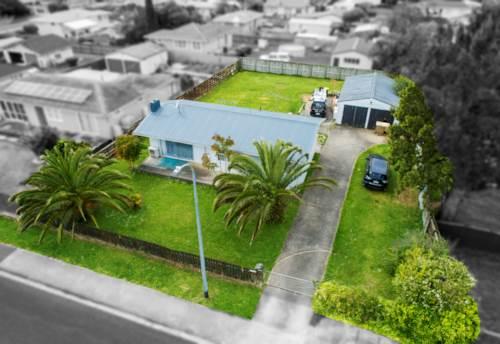 Papakura, North Facing 943m2. Mixed Housing Suburban. Solid Tenants., Property ID: 798946 | Barfoot & Thompson