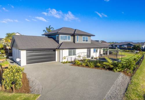 One Tree Point, Spacious and Stylish Living - Demanding Relaxation, Property ID: 799380 | Barfoot & Thompson