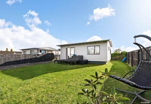 Manukau, Hot Opportunity - Sensational Starter!, Property ID: 799546 | Barfoot & Thompson