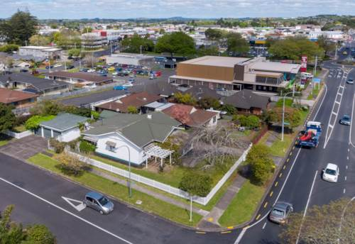 Pukekohe, BUSINESS - HIGH PROFILE CORNER - PUKEKOHE, Property ID: 84863 | Barfoot & Thompson