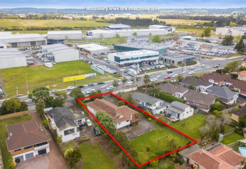 Hobsonville, Built solid on a substantial size section, Property ID: 799465 | Barfoot & Thompson