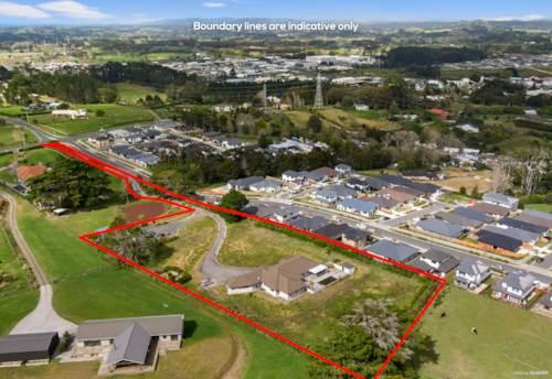 Huapai, 1.05HA Land With Luxury & Lifestyle - Vendor Overseas Bound, Property ID: 798262 | Barfoot & Thompson