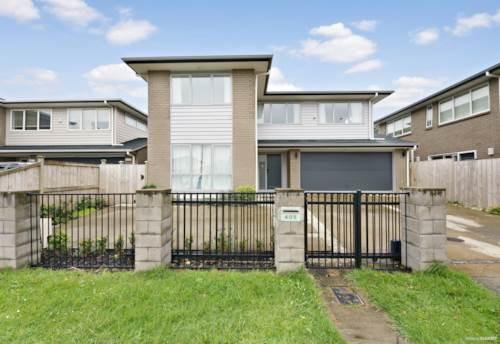 East Tamaki Heights, BOTANY BRILLIANCE!, Property ID: 799372 | Barfoot & Thompson