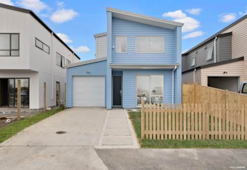 Papakura, BRIMMING WITH CHARM - AMAZING RIVER VIEW, Property ID: 799454 | Barfoot & Thompson