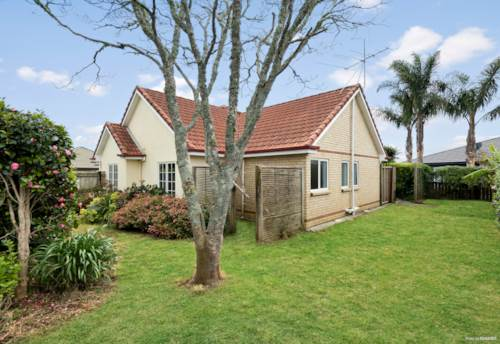Kerikeri, PRIVATE, SPACIOUS & RIGHT IN TOWN!, Property ID: 799581 | Barfoot & Thompson
