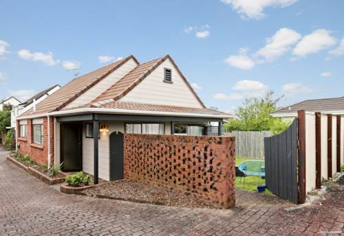 Howick, Wellington Street Brick and Tile, Property ID: 799939 | Barfoot & Thompson