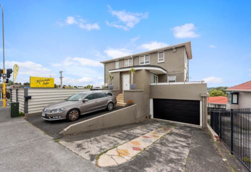 Mt Roskill, HOME WITH MULTIPLE INCOMES, Property ID: 800064 | Barfoot & Thompson