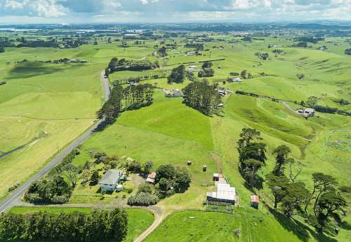 Waiuku, The lifestyle dream at the beach, Property ID: 800043 | Barfoot & Thompson