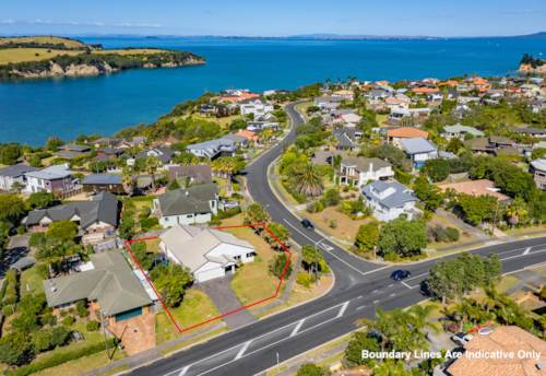 Gulf Harbour, Single level living at its finest on 832m2 Corner Site, Property ID: 800210 | Barfoot & Thompson