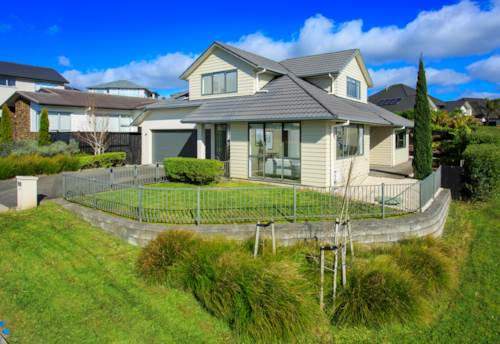 Silverdale, Sought After Horncastle Showhome, Property ID: 800292 | Barfoot & Thompson