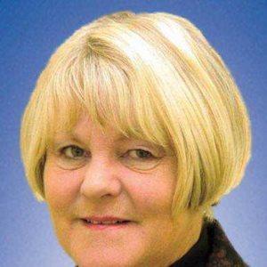 Lorraine Hindle