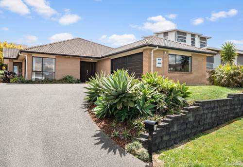 Pukekohe, FIRM FAMILY FAVOURITE, Property ID: 799819 | Barfoot & Thompson