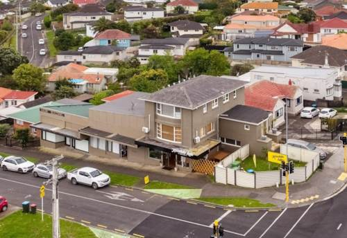 Mt Roskill, MULTIPLE INCOMES, Property ID: 84888 | Barfoot & Thompson