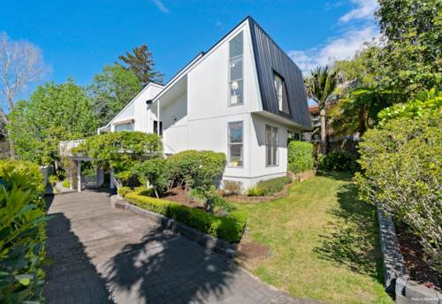 Shelly Park, BLISSFUL HOME IN SHELLY PARK, Property ID: 799927 | Barfoot & Thompson