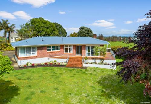 Pukekohe, The lifestyle dream now within reach!, Property ID: 800406 | Barfoot & Thompson