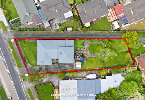 Te Atatu South, Fabulous Opportunity On Flanshaw!, Property ID: 799987   Barfoot & Thompson