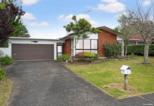 Half Moon Bay, Macleans Zone - Overseas Vendor - Must be Sold, Property ID: 800554 | Barfoot & Thompson