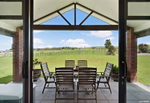 Kerikeri, HOME AND INCOME COMBINED WITH LUXURY AND LIFESTYLE, Property ID: 800603 | Barfoot & Thompson