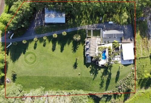 Kumeu, Fabulous lifestyle is just the beginning here, Property ID: 800423 | Barfoot & Thompson