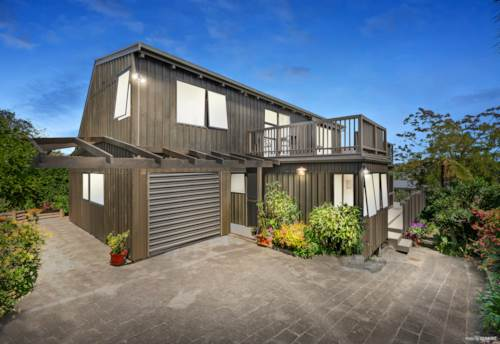 Stanmore Bay, Sun, Space & Seaviews - First Time on the Market!, Property ID: 800402 | Barfoot & Thompson