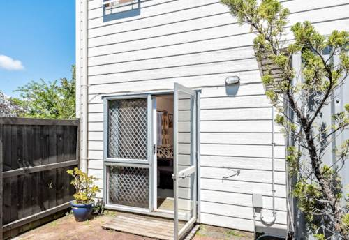 Mt Roskill, Affordable, Low Maintenance and Handy in MRG Zone, Property ID: 800696 | Barfoot & Thompson