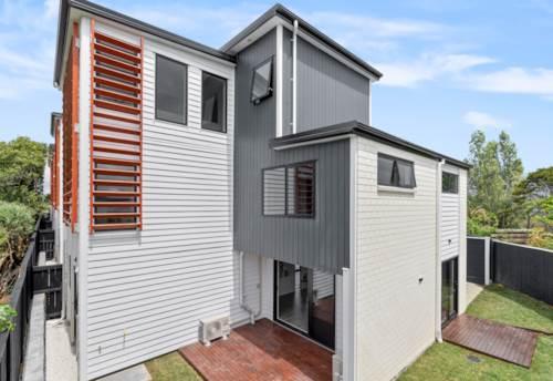 Te Atatu Peninsula, 2020 Cutting-Edge Contemporary, Property ID: 800704   Barfoot & Thompson