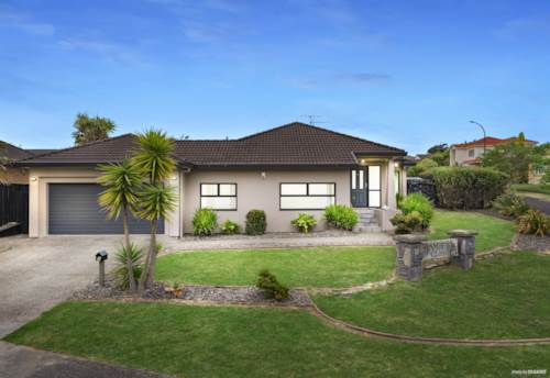 East Tamaki, Spectacular & Modern - Built with a Cavity System, Property ID: 800252 | Barfoot & Thompson
