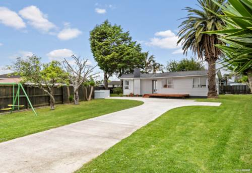 Manurewa, Affordable Home on 935 m² Subdivision Potential !, Property ID: 800596 | Barfoot & Thompson