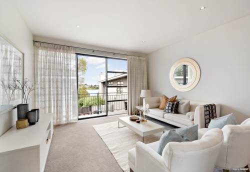 Mt Wellington, Blissful surprise behind the gates for easy living!, Property ID: 800481 | Barfoot & Thompson