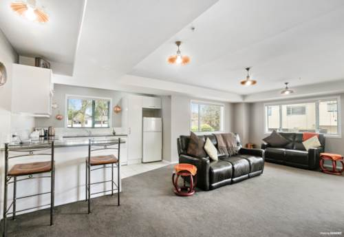 Mt Wellington, Luxury Lifestyle Living - At Half the Cost, Property ID: 800655   Barfoot & Thompson