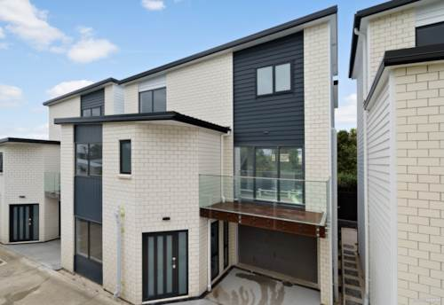 Te Atatu Peninsula, Brand New with Suburban Views, Property ID: 800697   Barfoot & Thompson